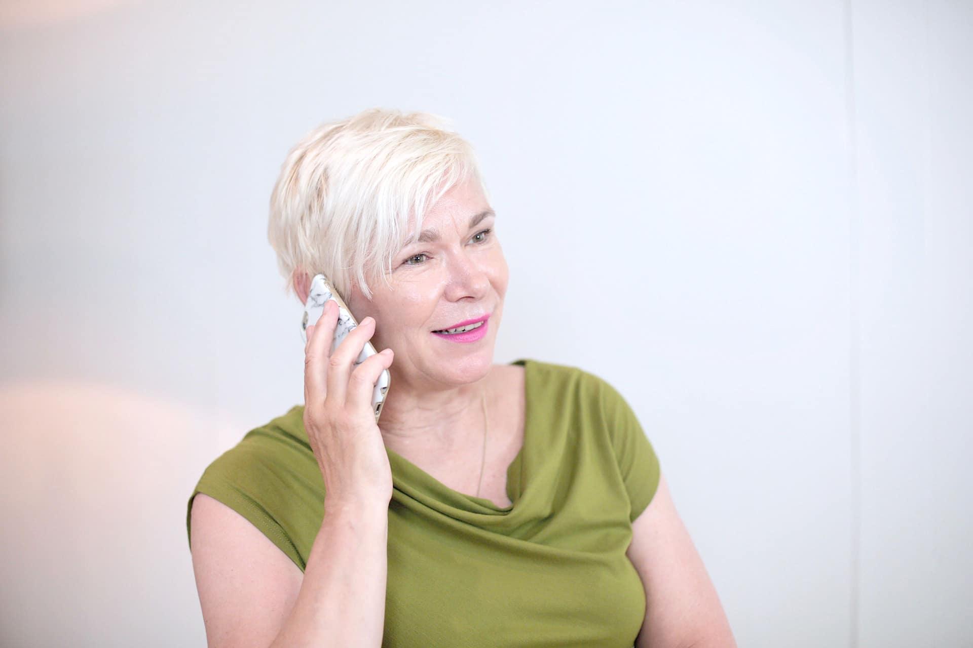 Christine Telefoon